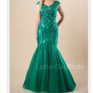 Modest Mermaid Green Bodycon Sequin Dress